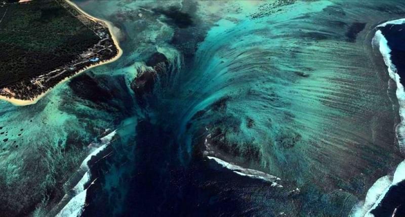 06 cascate sottomarine mauritius