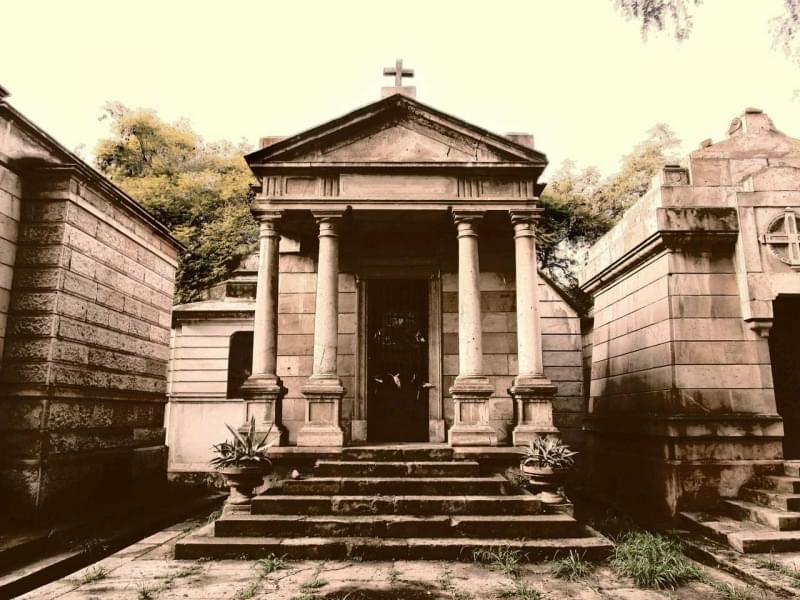 1 cimiteri paurosi