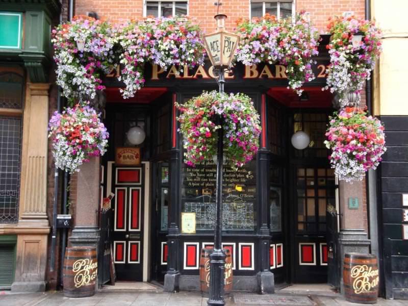 10 palace bar