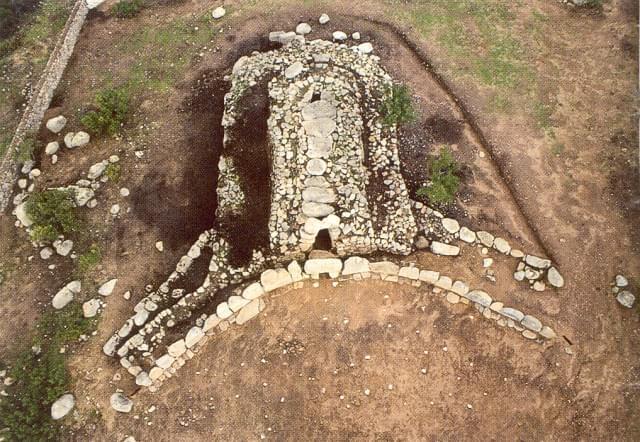 Tombe dei Giganti (Sardegna)