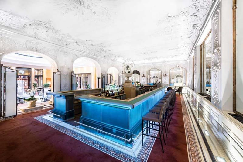 17 falks_bar_im_spiegelsaal