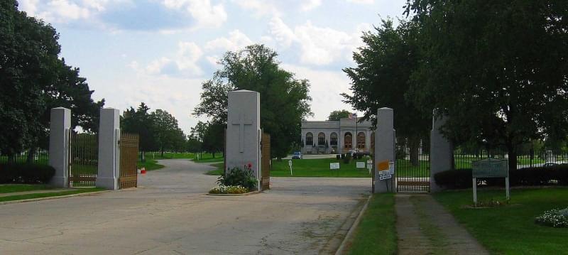 7 resurrection cemetery