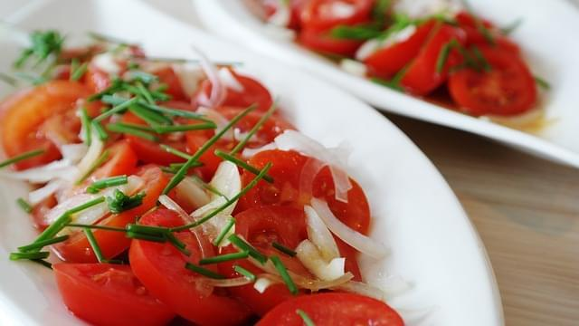 achichuk pomodoro insalata cipolle