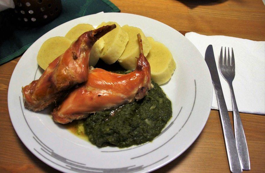 coniglio in salmi con contorno di polenta