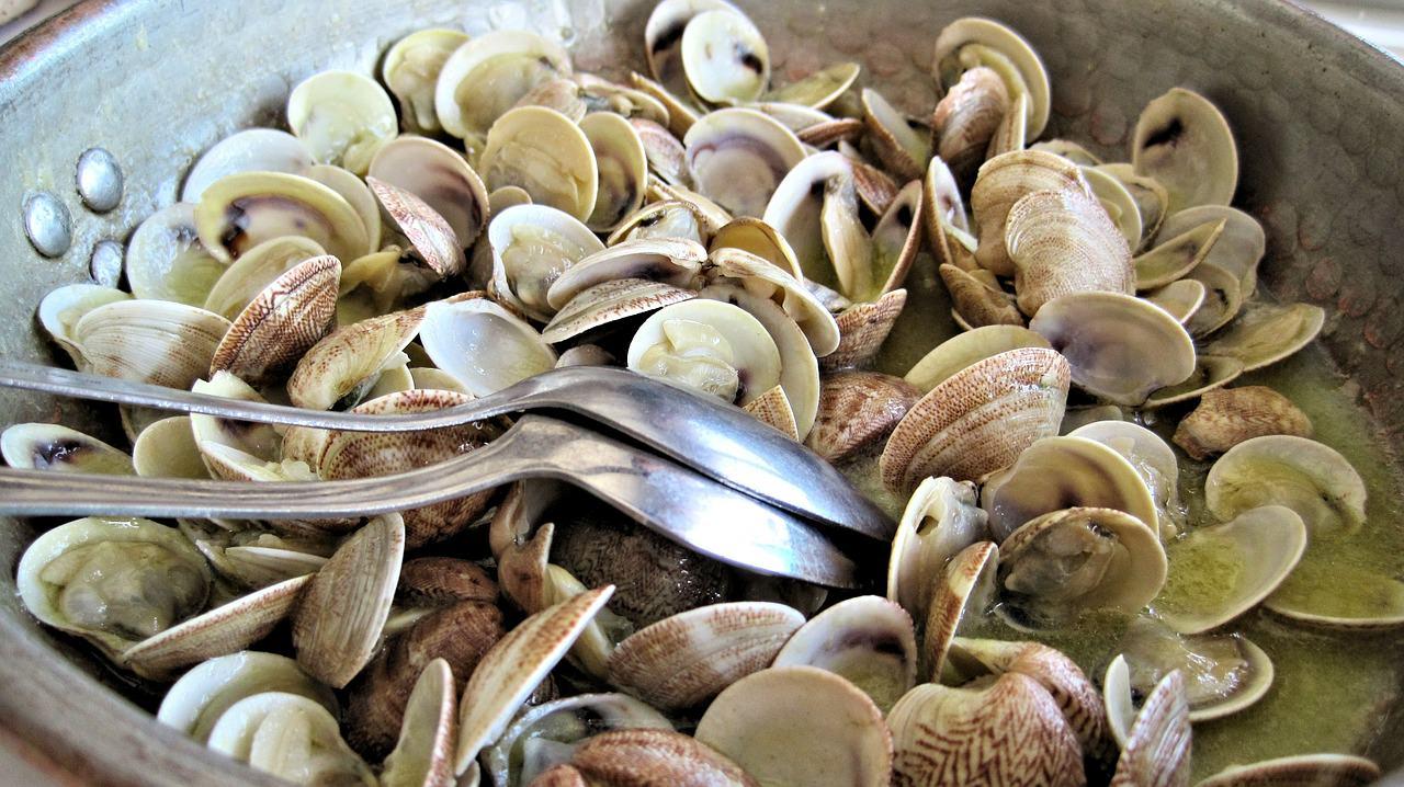 le saporite vongole alla portoghese, le ameijoas com alho