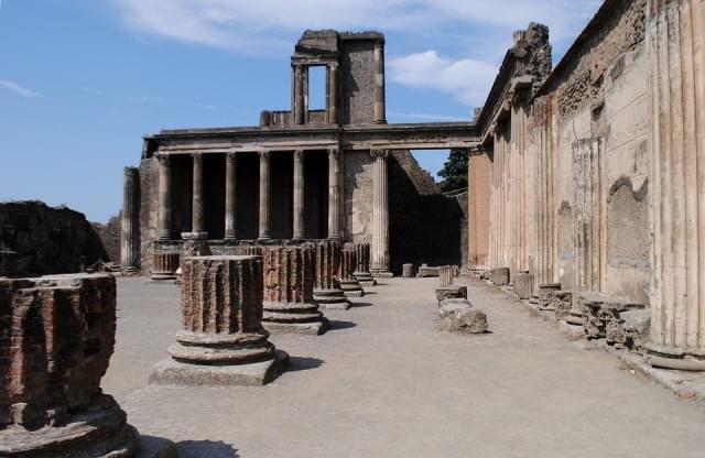 architettura vecchio costruzione