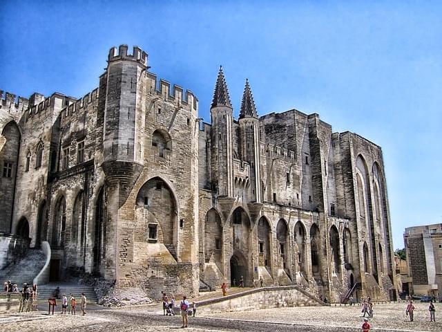 facciata palazzo dei papi avignone