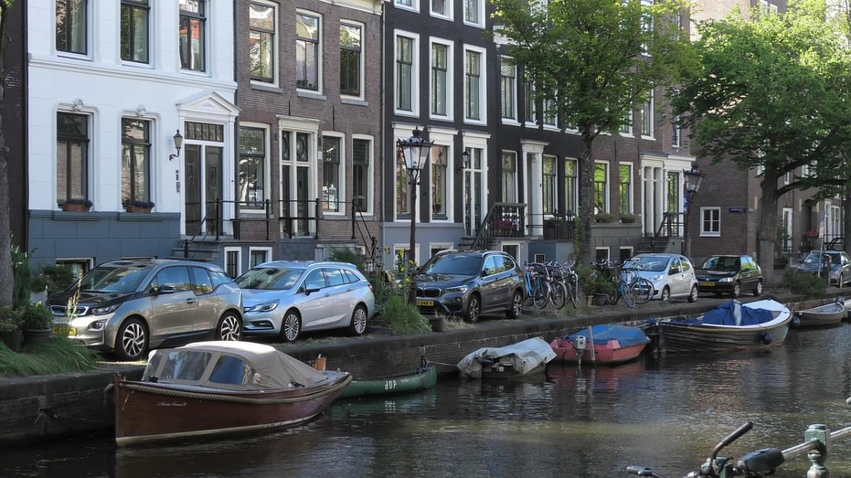 barche canale amsterdam canal