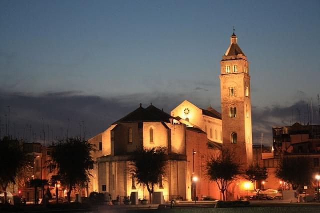 barletta cattedrale di notte