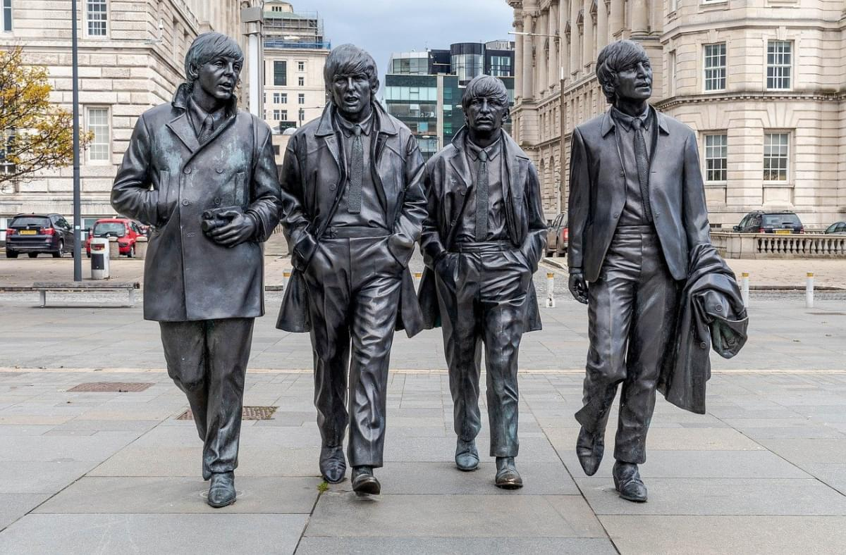 beatles statua lennon mccartney