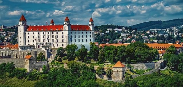 vista sul castello di bratislava