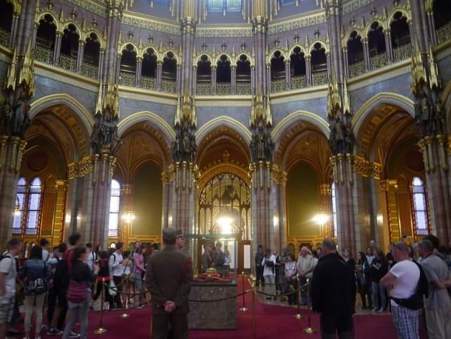 budapest parlament sala della cupola