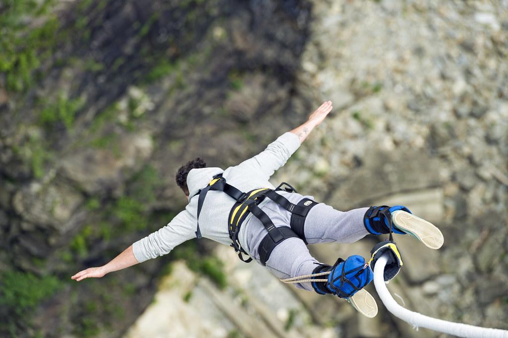 rischio incidenti nel bungee jumping
