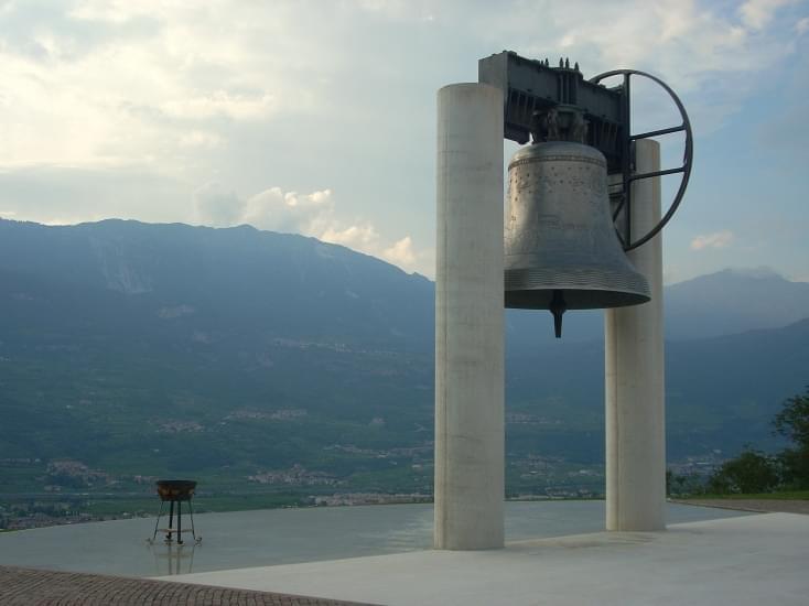 campana dei caduti 4