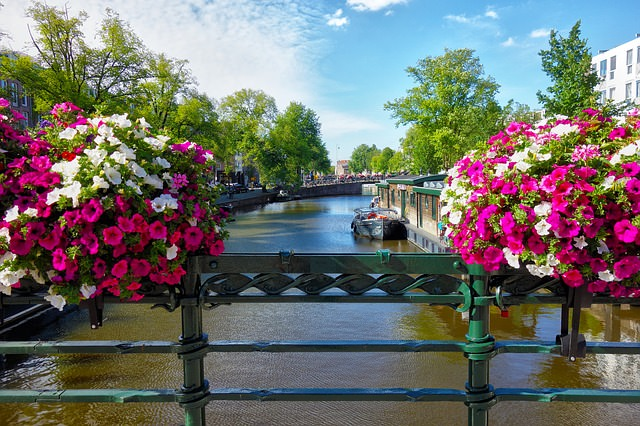 canale ferroviario ponte barca