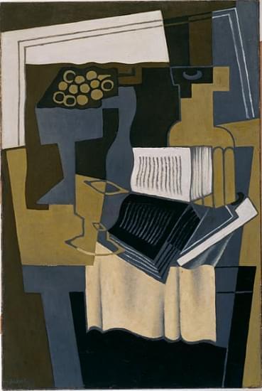carafe and book gris