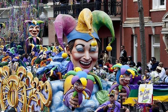 carri e maschere del carnevale di Sciacca