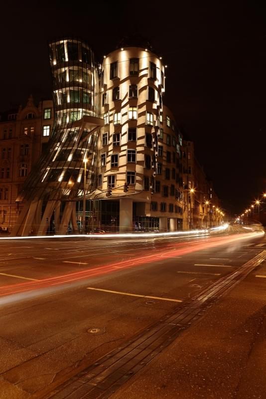 casa danzante praga notte