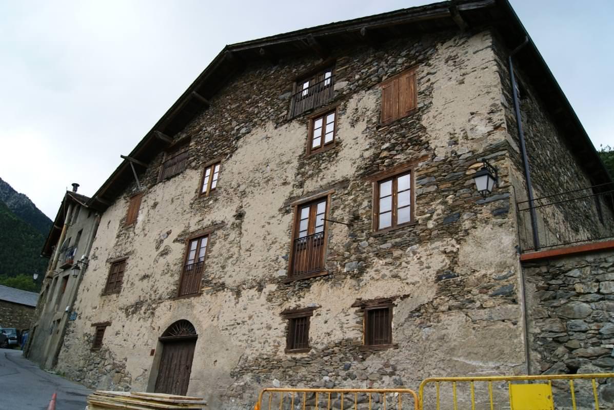 casa rull e una delle imponenti case tradizionali di andorra
