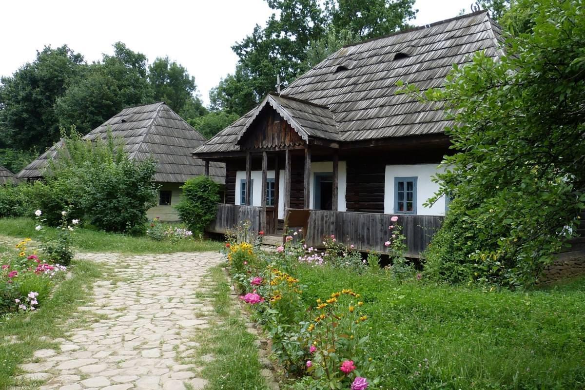 case tradizionali bucarest