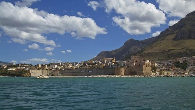 castello a mare ex vasca della regina