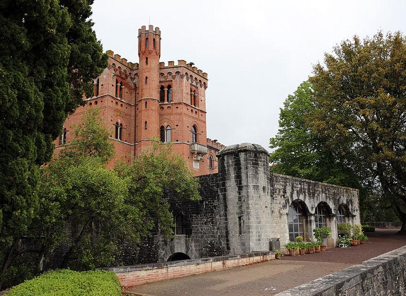 castello di brolio madonna a brolio siena