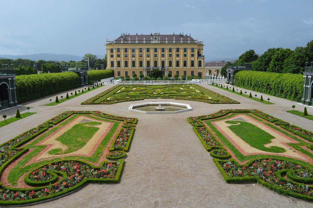 17 giardini del castello di schonbrunn vienna