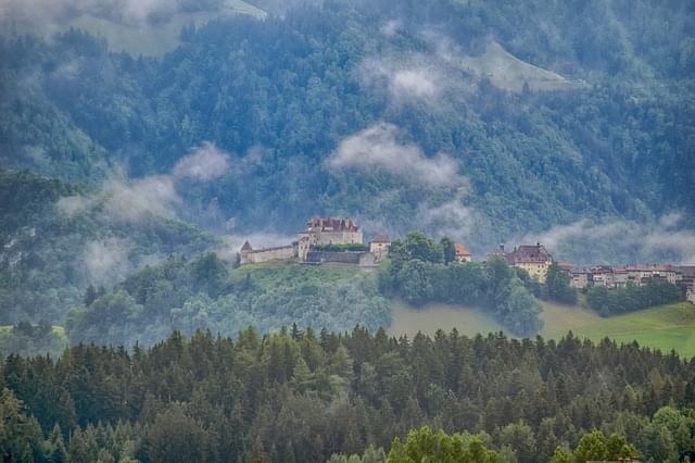 castello gruyere svizzera 1