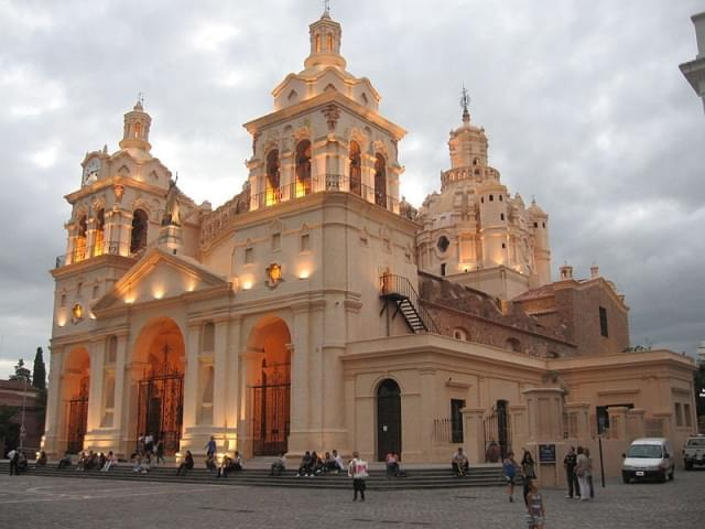 catedral de cordoba di sera