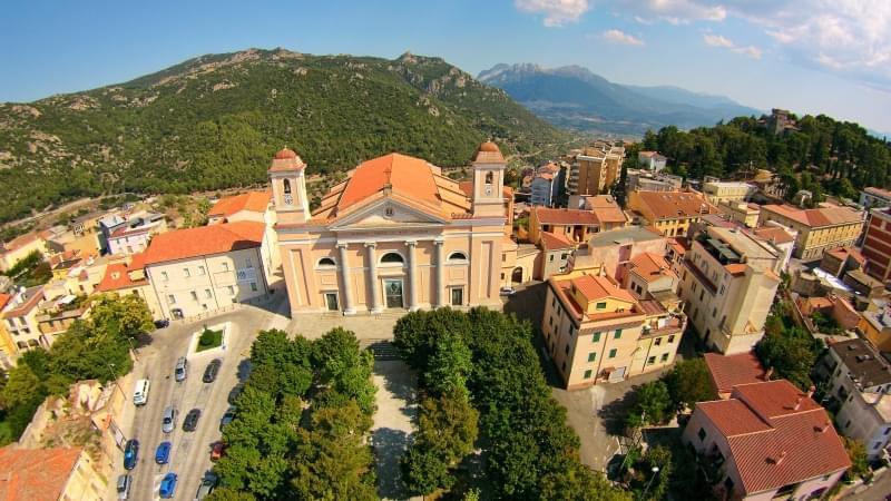 cattedrale di santa maria della neve nuoro vista dall alto