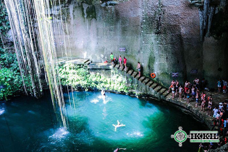 Cenote Ik-Kil (Yucatan, Messico)