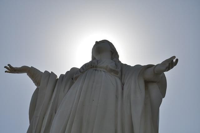 statua immacolata concezione nel cerro san cristobal