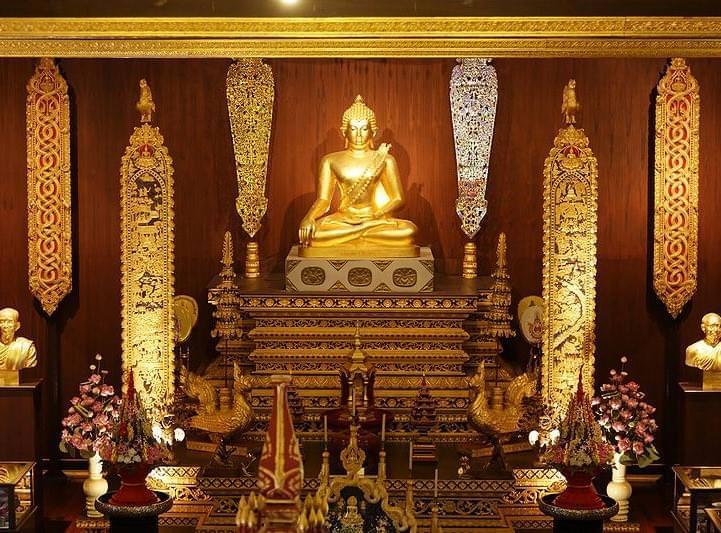 chiang_rai wat_phra_kaeo_thailand