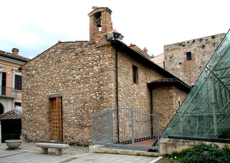 chiesa di sant anna dei pompetti teramo