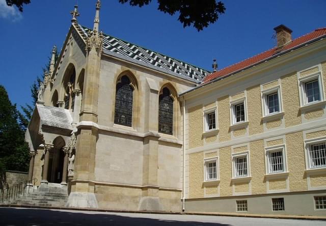 chiesa e chiostro mayerling