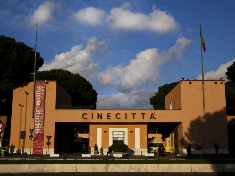 La roma che non ti aspetti itinerario alternativo nella - Cinema porta di roma prenotazione ...
