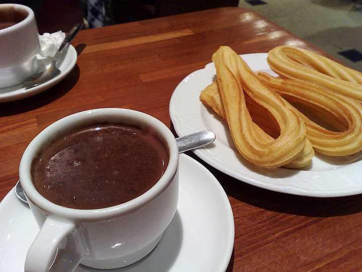 cioccolata e churros, dolce momento
