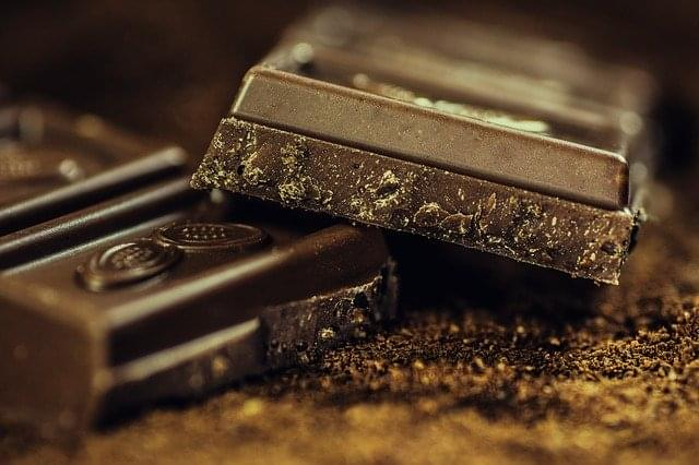 al latte, fondente, alle nocciole, non potrete non cedere al gusto della cioccolata+
