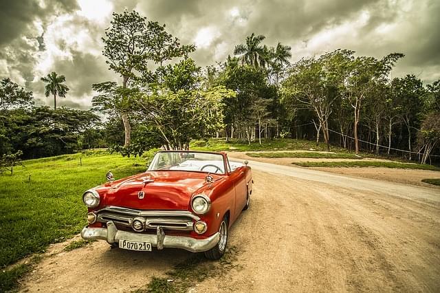 cuba oldtimer vecchia auto foresta