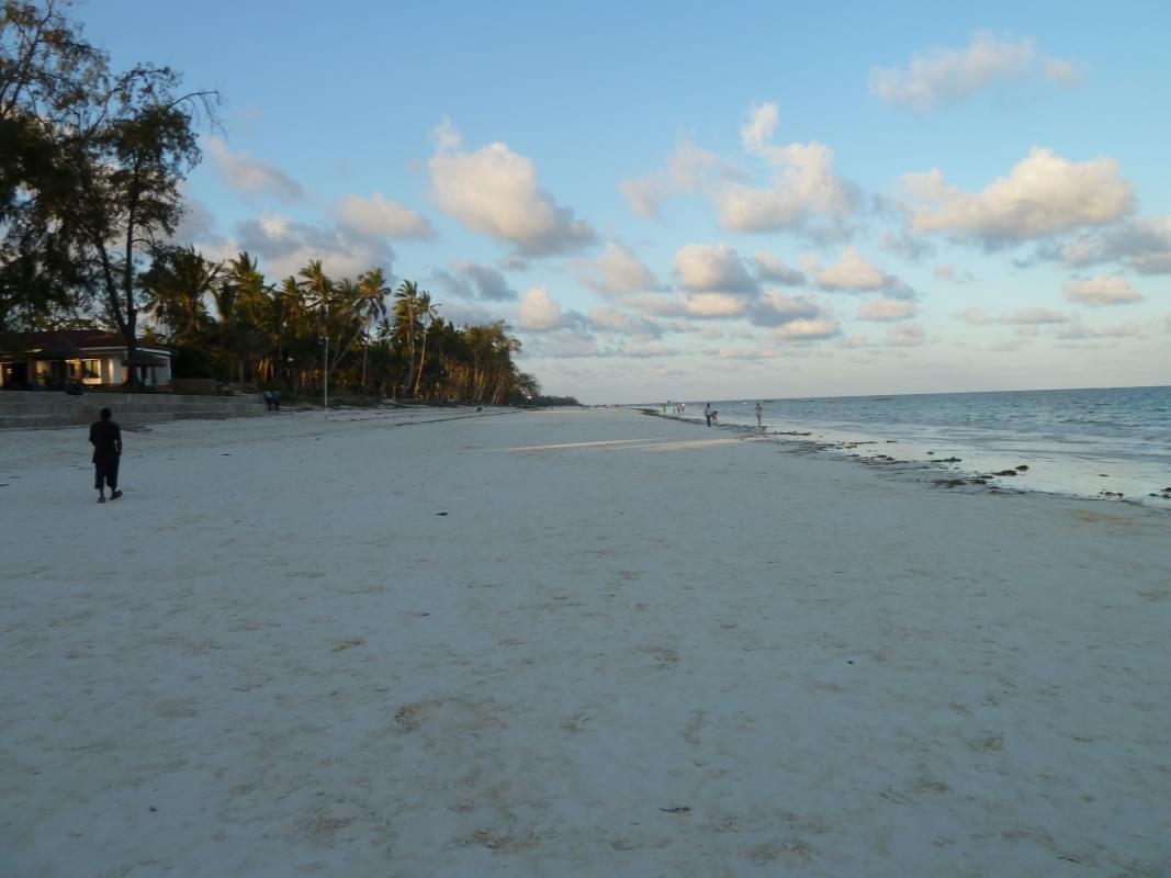 diani beach kenya(1)