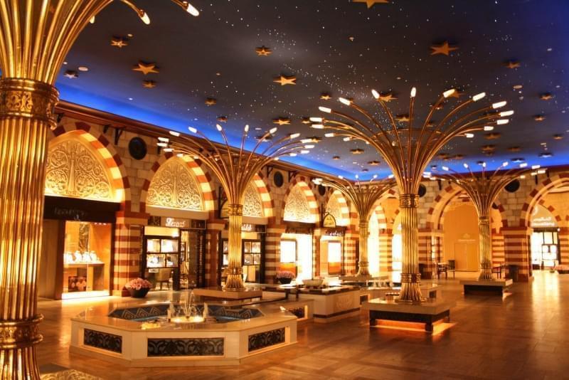 Interni del centro commerciale Dubai Mall