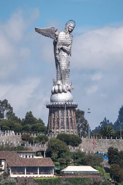 Vergine del Panecillo quito