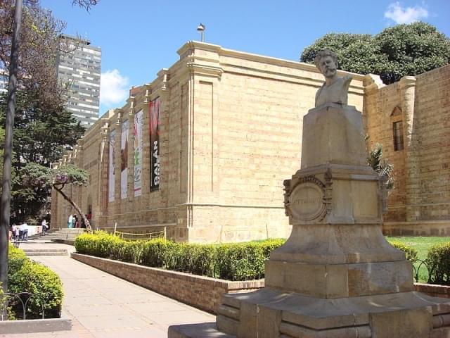 entrata del museo nacional bogota colombia