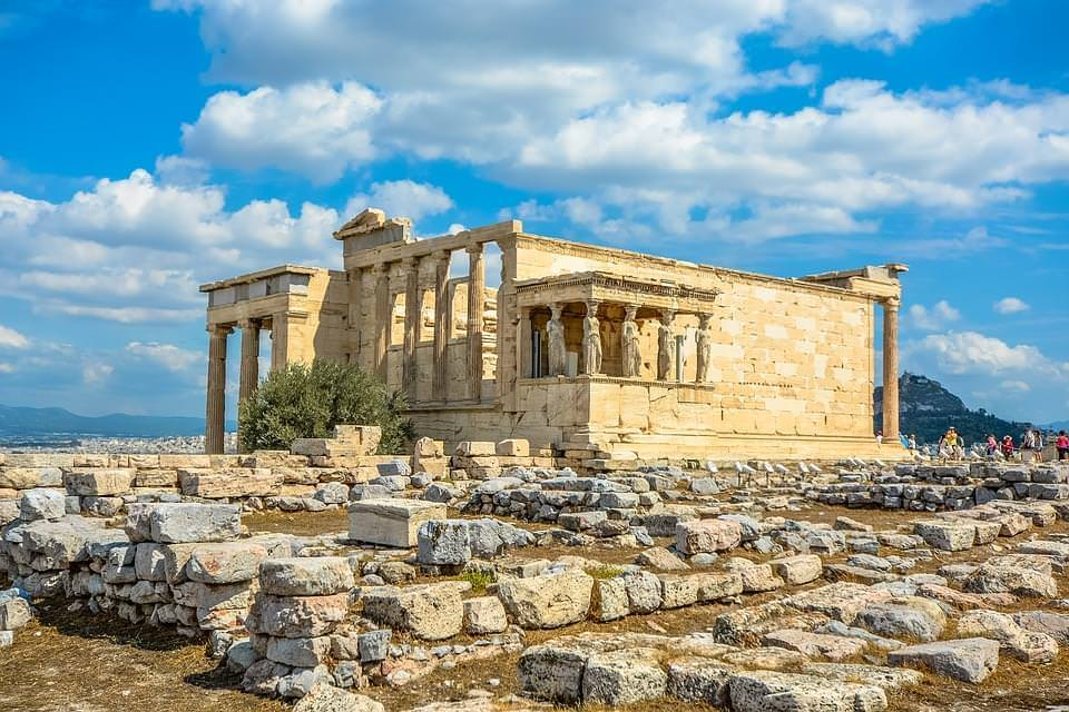 eretteo e loggia cariatidi acropoli atene
