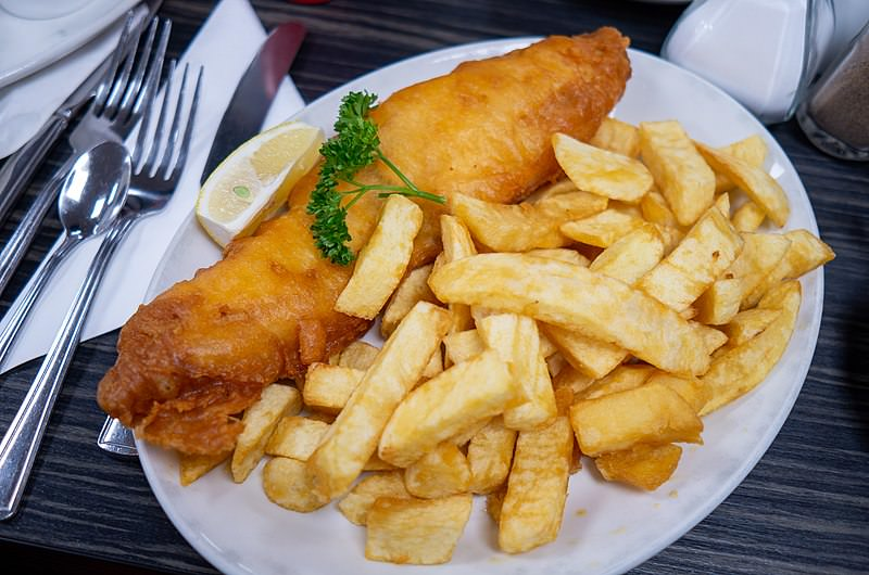 01 fish and chips