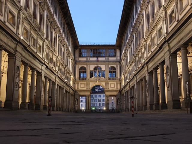 galleria degli uffizi esterno