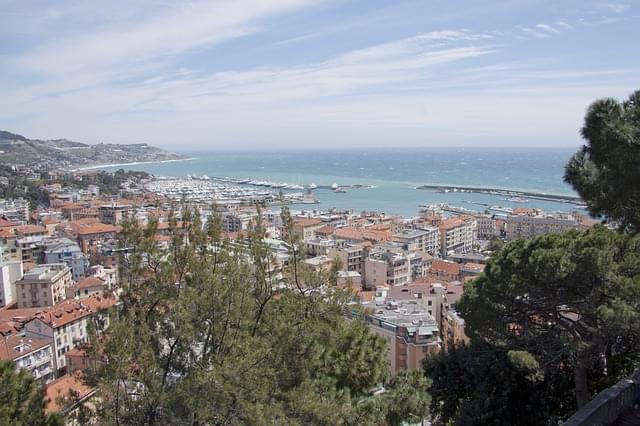 vista di Sanremo dal santuario della Madonna della Costa