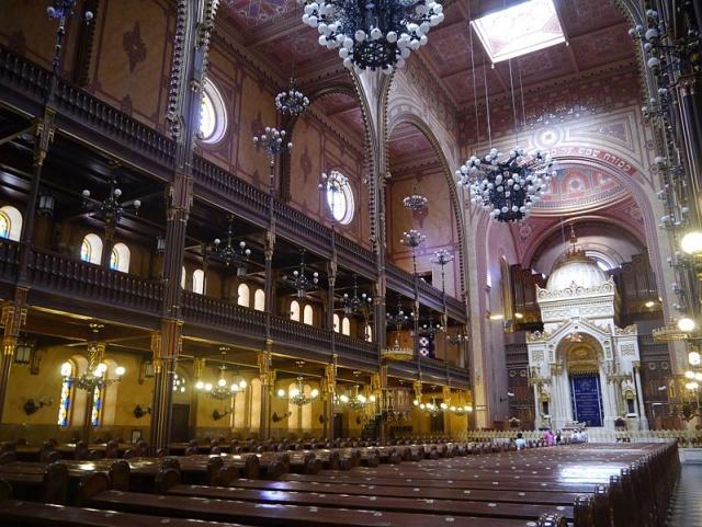 interno grande sinagoga di budapest
