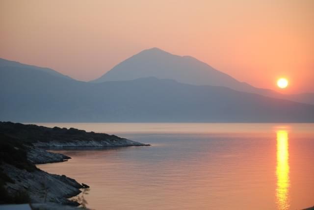 grecia tramonto isola dei topi natura