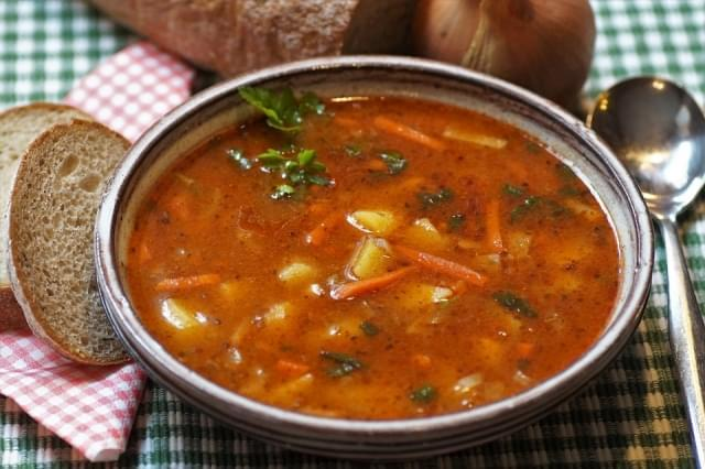 gulasch suppe